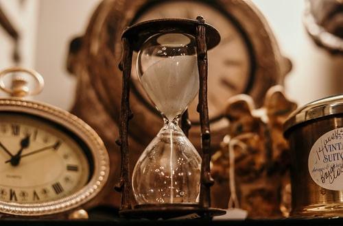κλεψύδρα χρόνου